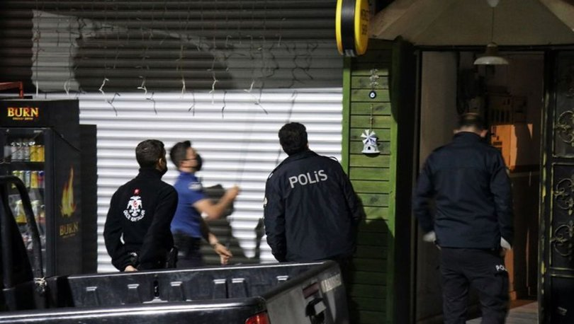 Polisi görünce kendilerini büfeye kilitlediler