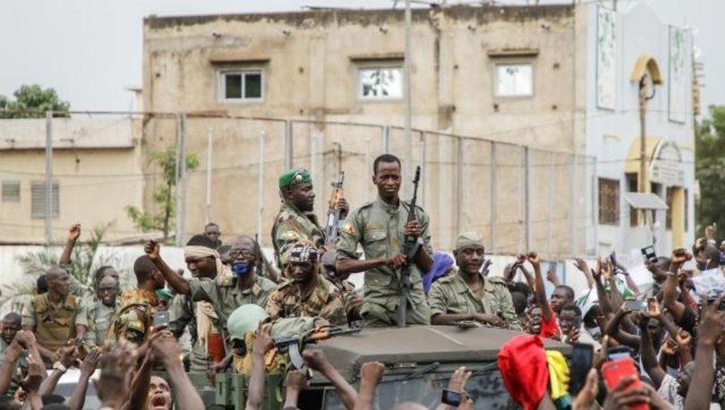 ECOWAS, Mali'nin üyeliğini askıya aldı