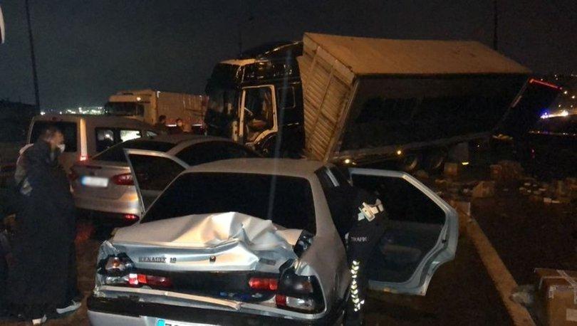 TEM'DE KAZA! Son dakika: TEM'de zincirleme kaza: İstanbul yönü trafiğe kapandı, çok sayıda yaralı var