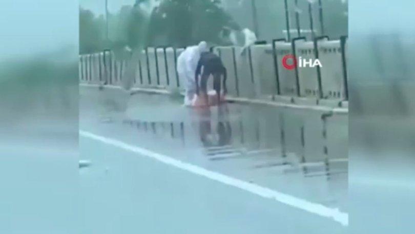 DÜNYA ŞOKTA! Son dakika: Hindistan'da cesetleri nehre attılar - VİDEO HABER