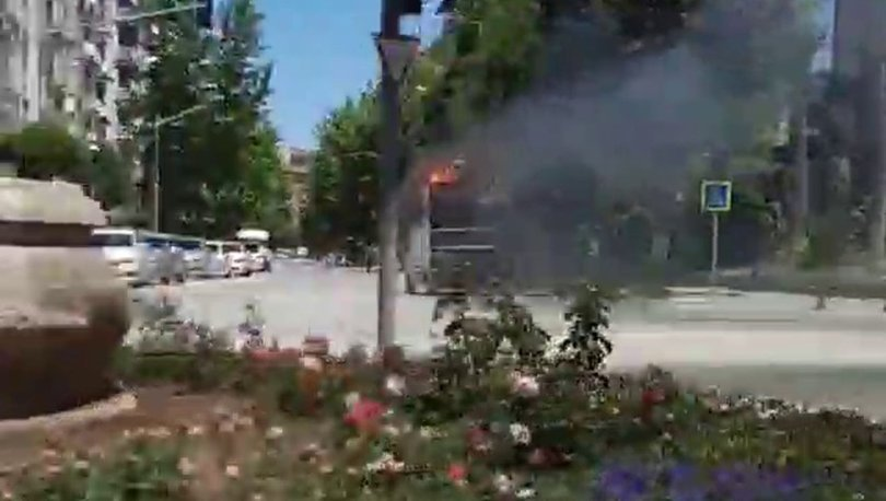 SON DAKİKA: Yanan kamyoneti itfaiyeye sürdü! - Haberler