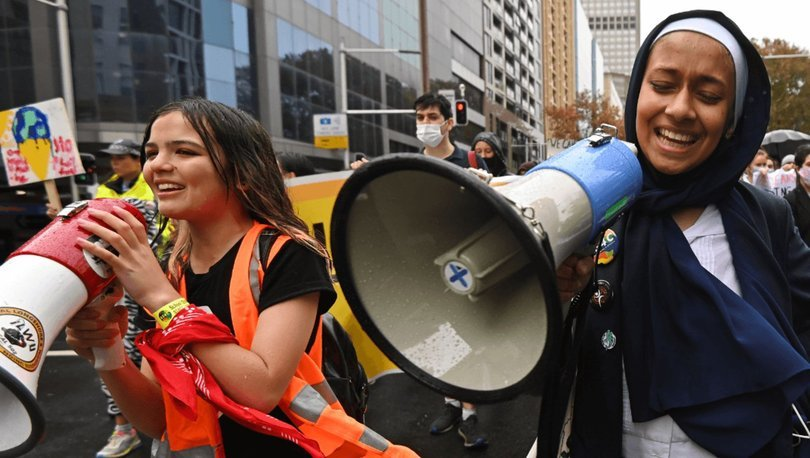 Avustralya'nın Greta Thunberg'i Sydney'de iklim grevini başlattı