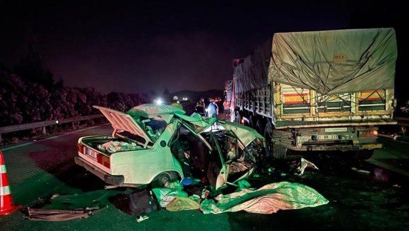 Adana'da otomobil, TIR'ın altına girdi: 1 ölü, 3 yaralı