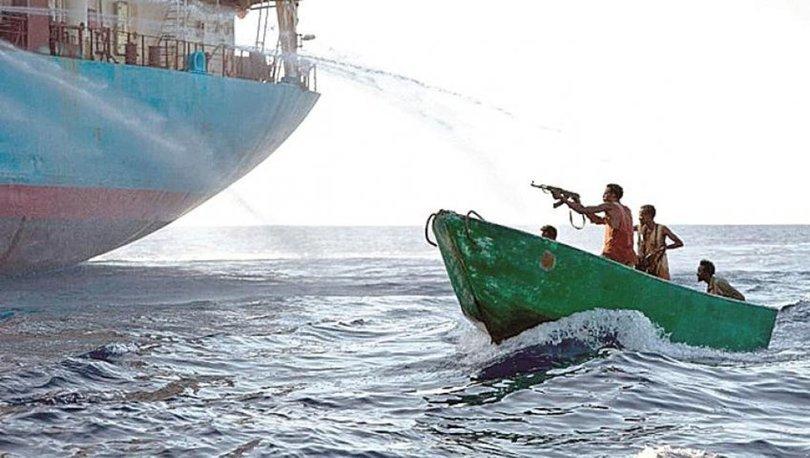 Gana açıklarında korsan saldırısı: 5 denizci kaçırıldı