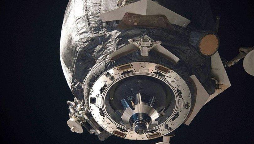 Uluslararası Uzay İstasyonu'na uzay enkazı çarptı, istasyonda delik açıldı!