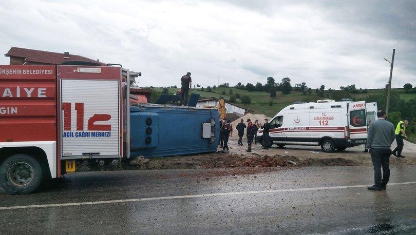 Cezaevi aracı kaza yaptı: 10 yaralı - Haberler