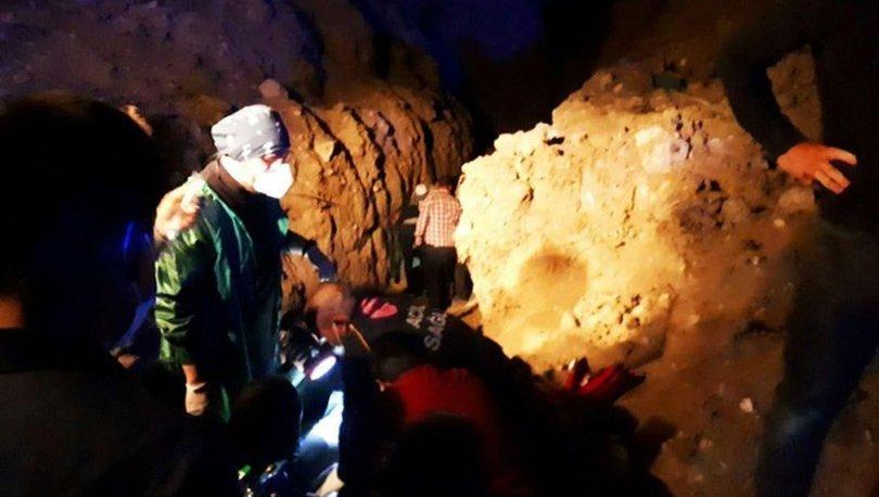Eskişehir'de kazı faciası: Toprak altında kalan 2 kardeşten 1'i öldü