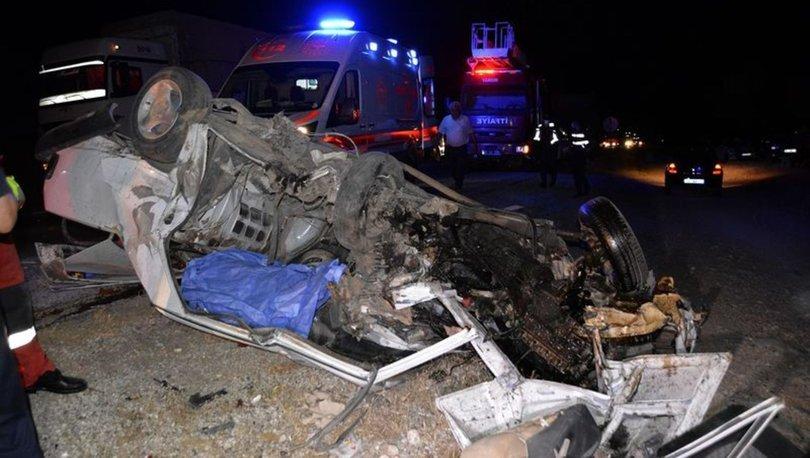 Muğla'da iki otomobil kafa kafaya çarpıştı: 1 ölü, 4 yaralı