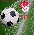 Türkiye Futbol Federasyonu (TFF), 2021-2022 sezonundan itibaren 14 olan yabancı sayısının kademeli olarak düşeceğini duyurdu. Kulüpler Birliği bu karara tepki gösterirken acil toplanma kararı aldı. 2005