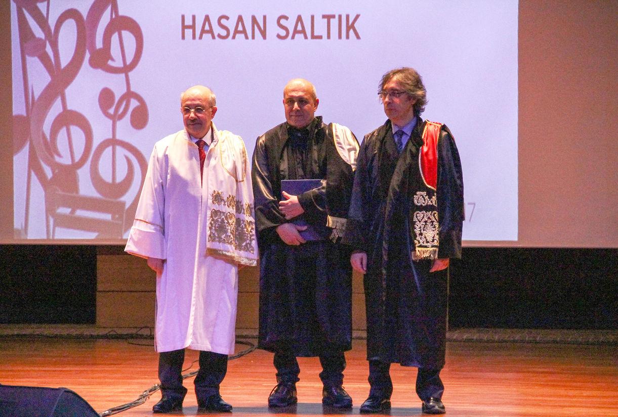 Hasan Saltık, 5 Nisan 2017'de İstanbul Teknik Üniversitesi Senatosu kararıyla fahri doktora unvanı aldı