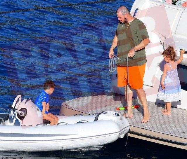 Şahan Gökbakar ailesiyle Marmaris'te - Magazin haberleri