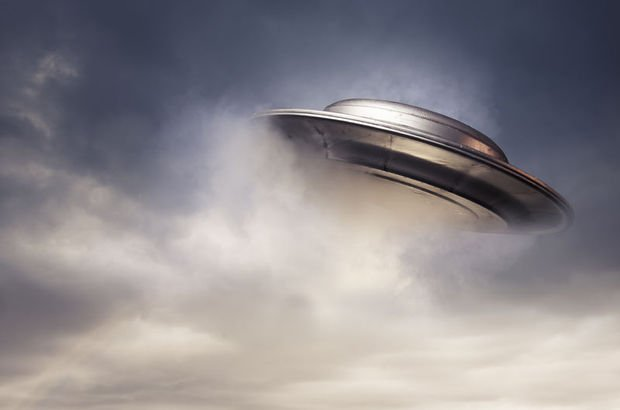 ABD istihbarat yetkilileri konuştu: UFO açıklaması!