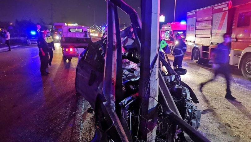 Kocaeli'de otomobil bariyere girdi: 1 ölü, 2 ağır yaralı