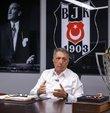 Beşiktaş Kulübü Başkanı Ahmet Nur Çebi, 2020-2021 sezonunda elde edilen şampiyonluğun yanı sıra teknik direktör Sergen Yalçın, futbolcular Rachid Ghezzal ve Valentin Rosier ile ilgili açıklamalarda bulundu.