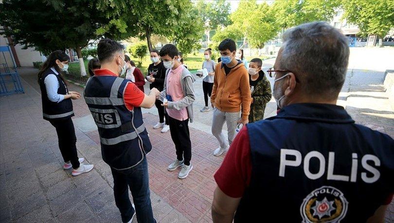 LGS kapsamındaki merkezi sınava giren 3 bin 157 öğrenciye geçici kimlik belgesi verildi