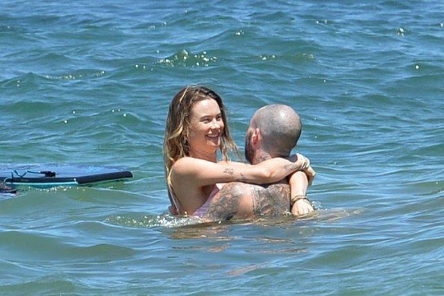 Adam Levine ile Behati Prinsloo, Hawaii'de - Magazin haberleri