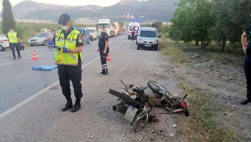 Soma'da otomobil ile motosiklet çarpıştı: Yaşlı çift öldü