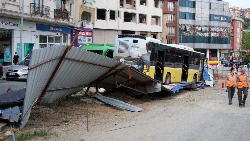 Kontrolden çıkan otobüs sac perdelere çarptı - Haberler