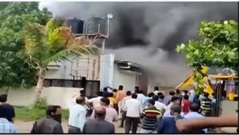 Hindistan'da kimya fabrikasında yangın: 15 ölü