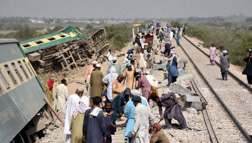 Pakistan'da iki tren çarpıştı: Çok sayıda ölü ve yaralı var!