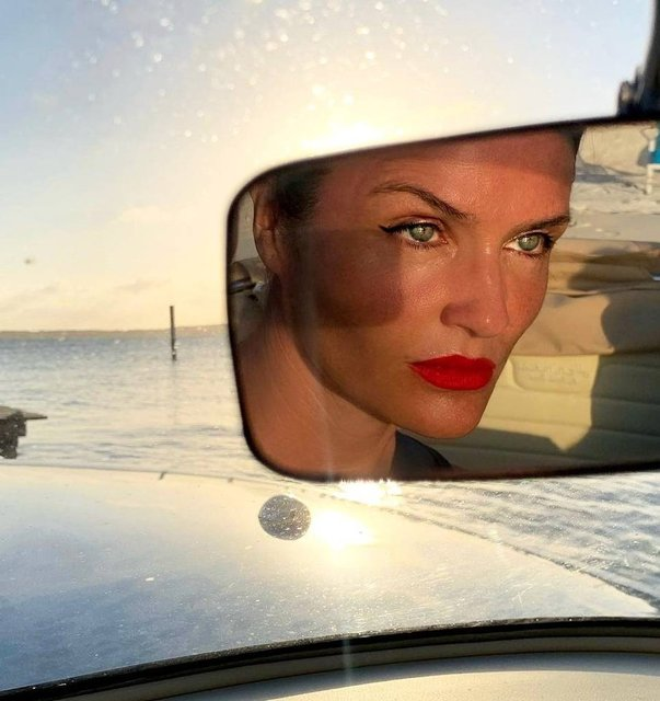 Helena Christensen'den 52 yaş pozu - Magazin haberleri