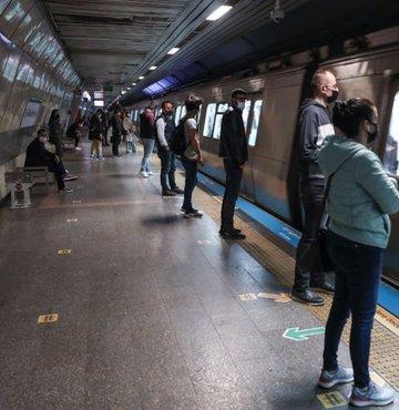 Yenikapı-Atatürk Havalimanı ve Yenikapı-Kirazlı arasında metro seferlerinin teknik arıza nedeniyle durdurulduğu bildirildi