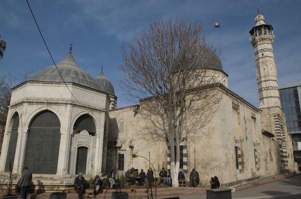 Ulu Cami'den çalınan İznik çinileri bulundu