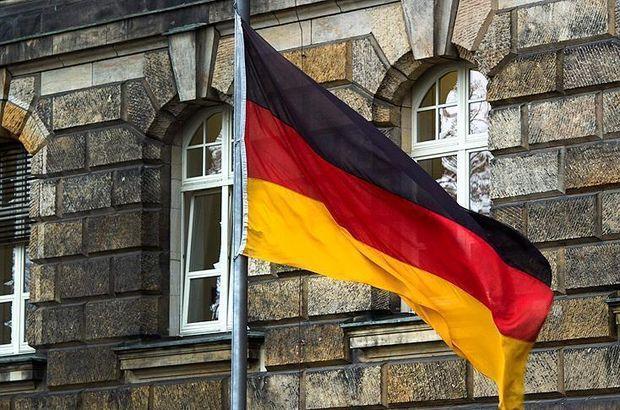 Almanya'da bir eyaletin Türkçeyi müfredat dışı bırakmasına tepki