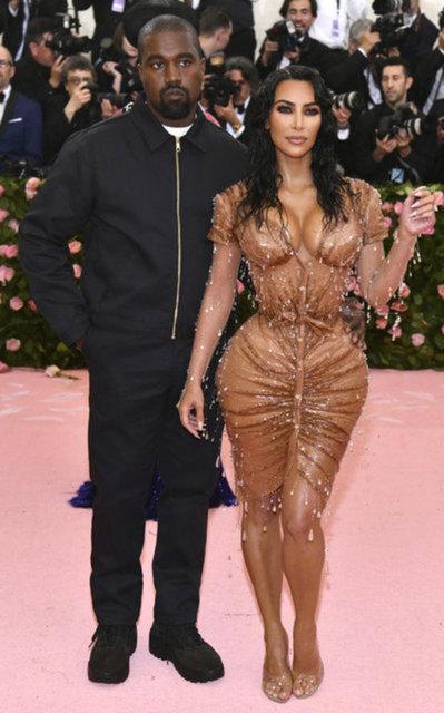 Irina Shayk ile aşk yaşayan Kanye West sadece onu takip ediyor! Kim Kardashian...