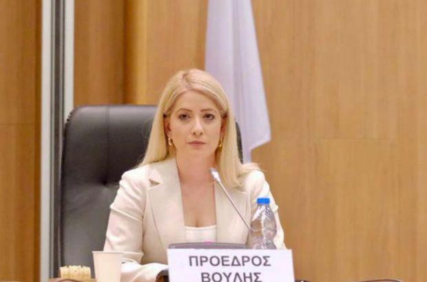 Kıbrıs Rum kesiminde Meclis Başkanlığına ilk kez bir kadın seçildi