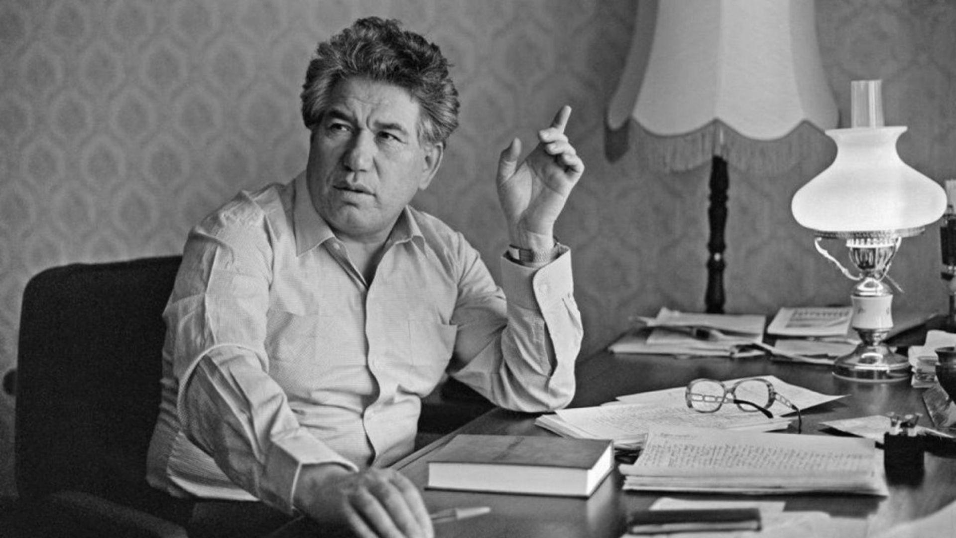 Cengiz Aytmatov'un tüm eserleri kitaplaşacak