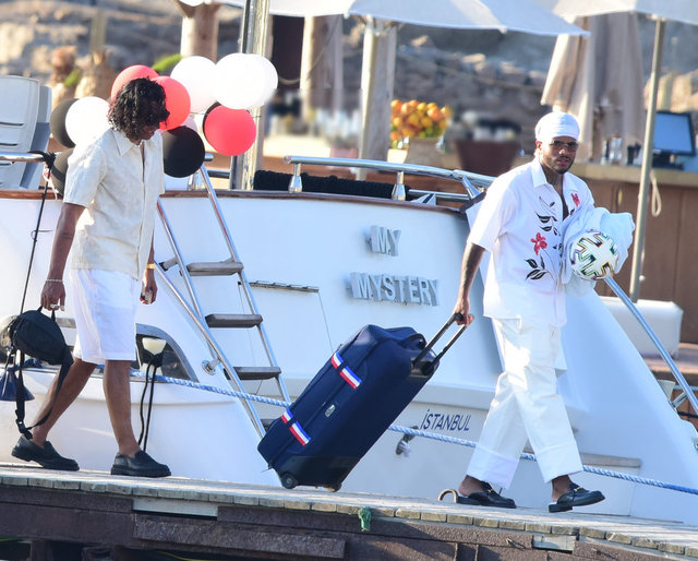 Valentin Rosier teknede parti verdi - Magazin haberleri