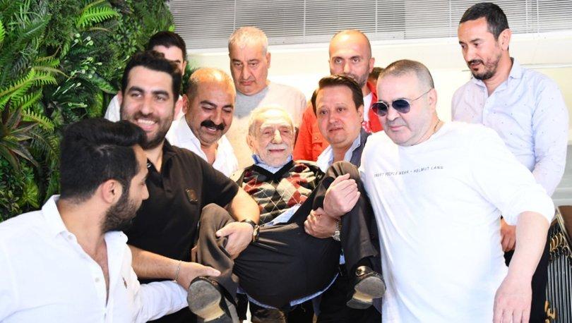 Şafak Sezer ile Aydemir Akbaş bir araya geldi: Aman, ayağı yere değmesin! - Magazin haberleri