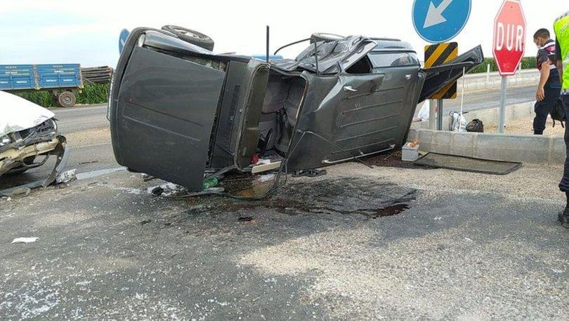 Adana'nın Kozan ilçesinde iki otomobilin çarpıştığı kazada 5 kişi yaralandı