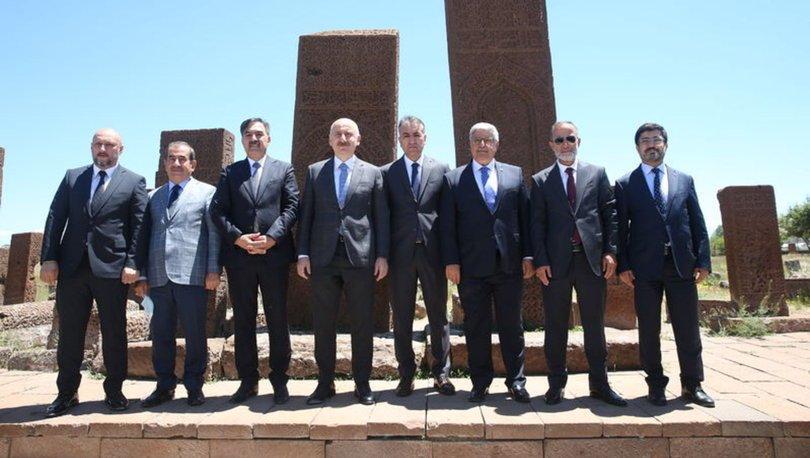 Bakan Karaismailoğlu, Ahlat-Malazgirt Karayolu'nun açılışını yaptı