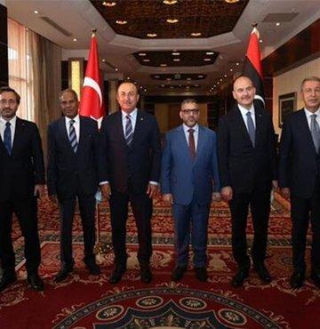 Dışişleri Bakanı Mevlüt Çavuşoğlu ve beraberindeki heyet, Libya Devlet Yüksek Konseyi (DYK) Başkanı Halid el-Mişri ile görüştü