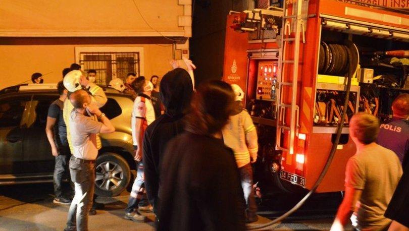 Fatih'te alev alan binadaki yangın çevresindeki 4 binaya sıçradı