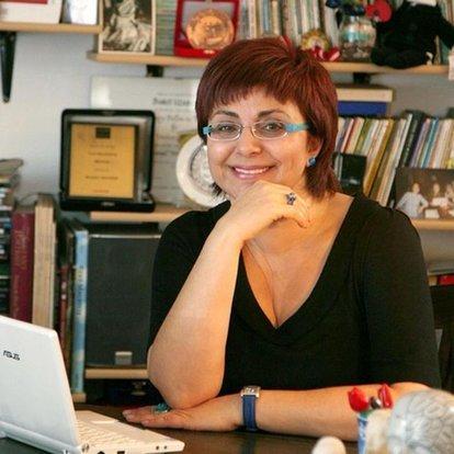 Macaristan'da Edebiyat Gecesi etkinliğinde Buket Uzuner imzası