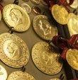 Altın fiyatlarında inanılmaz düşüş devam ediyor. Altın fiyatlarındaki son durum 13 Haziran Pazar günü yatırımcılar tarafından merakla takip ediliyor. Güncel piyasalarda gram altının fiyatı 506,98 lira, çeyrek altının fiyatı 828,55 liradan alıcı buluyor. İşte 13 Haziran çeyrek altın gram altın fiyatları anlık...