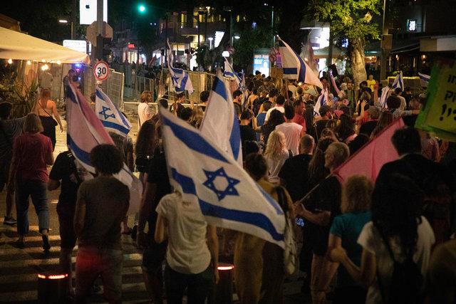 NETANYAHU GİTTİ... Son dakika: İsrailliler sokaklara döküldü