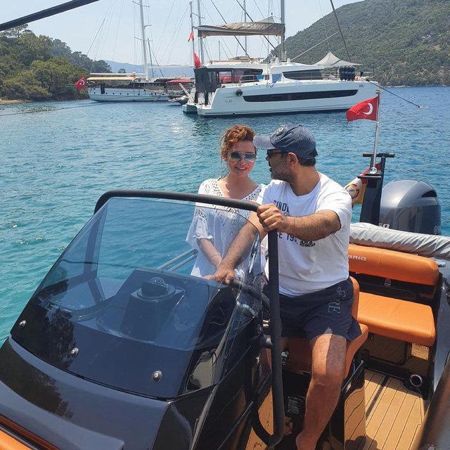 Deniz Seki ile sevgilisi İrfan Özçelik tatilde - Magazin haberleri