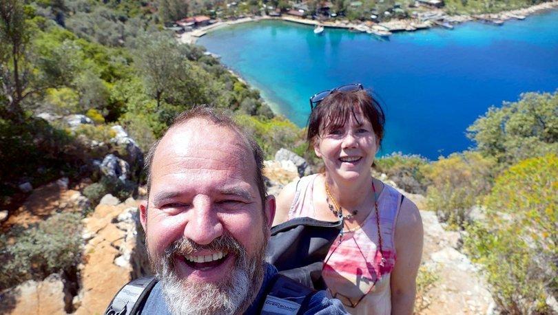 Üç günlüğüne Türkiye'ye gelen İngiliz çift 1,5 yıldır ülkede!