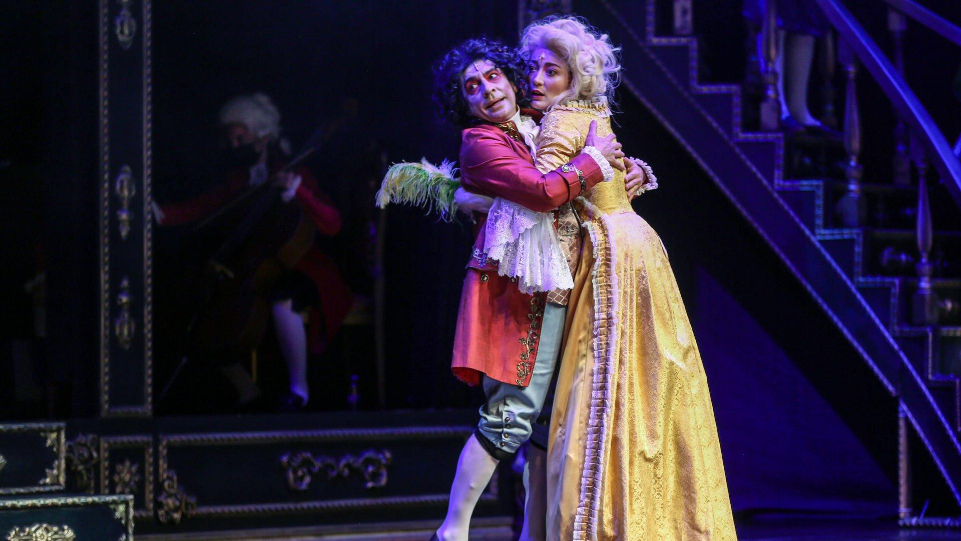 'Amadeus' aylar sonra sahnelendi