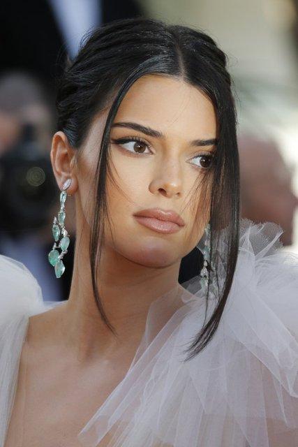 Kendall Jenner'ın aşk kuralı: Bir yıl dolmadan asla! - Magazin haberleri