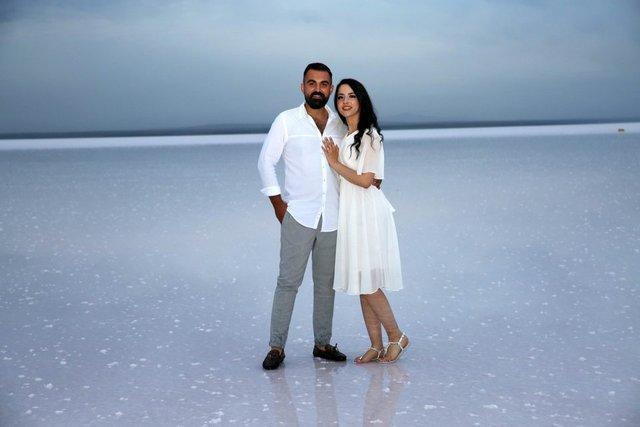 Düğün fotoğraflarının yeni adresi: Tuz Gölü