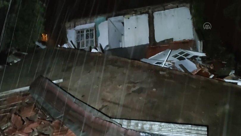 Yoğun yağış metruk evi çökertti