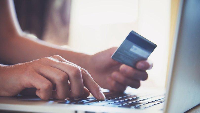 Her 3 TL'lik kartlı ödemenin 1 TL'si ticari kartlarla gerçekleşiyor