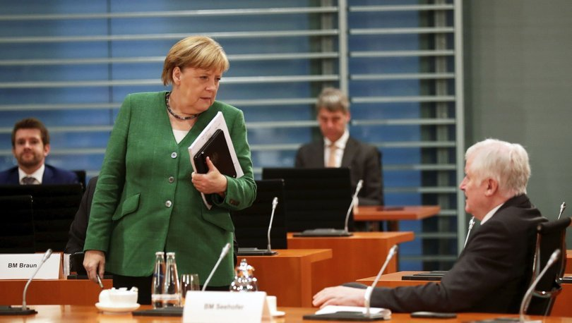 Almanya'da aşırı sağcı sayısı 33 bin 300'e yükseldi