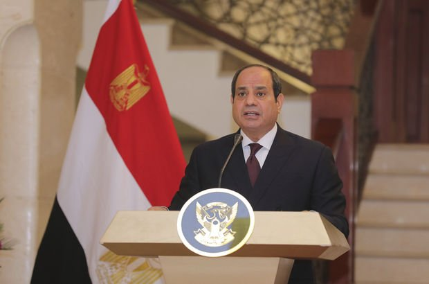 Sisi'den Katar Emiri Al Sani'ye mektup
