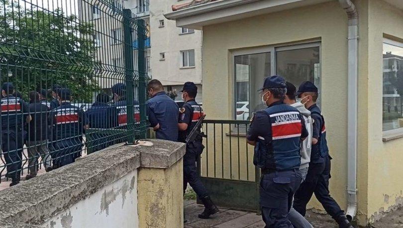"""""""Kamu görevlisiyiz"""" diyerek kaçak kazı yapan şüphelilerden 7 kişi tutuklandı"""